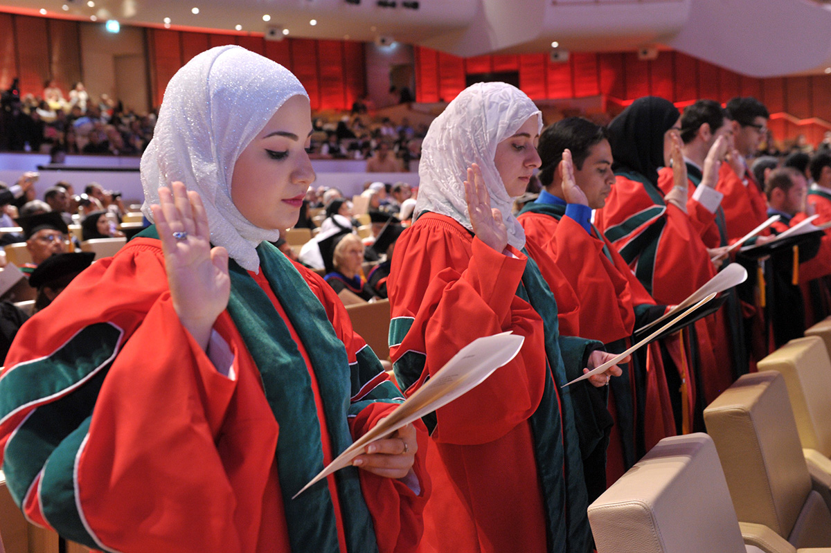 This Hijabi Is The Youngest Doctor In The World How Smart