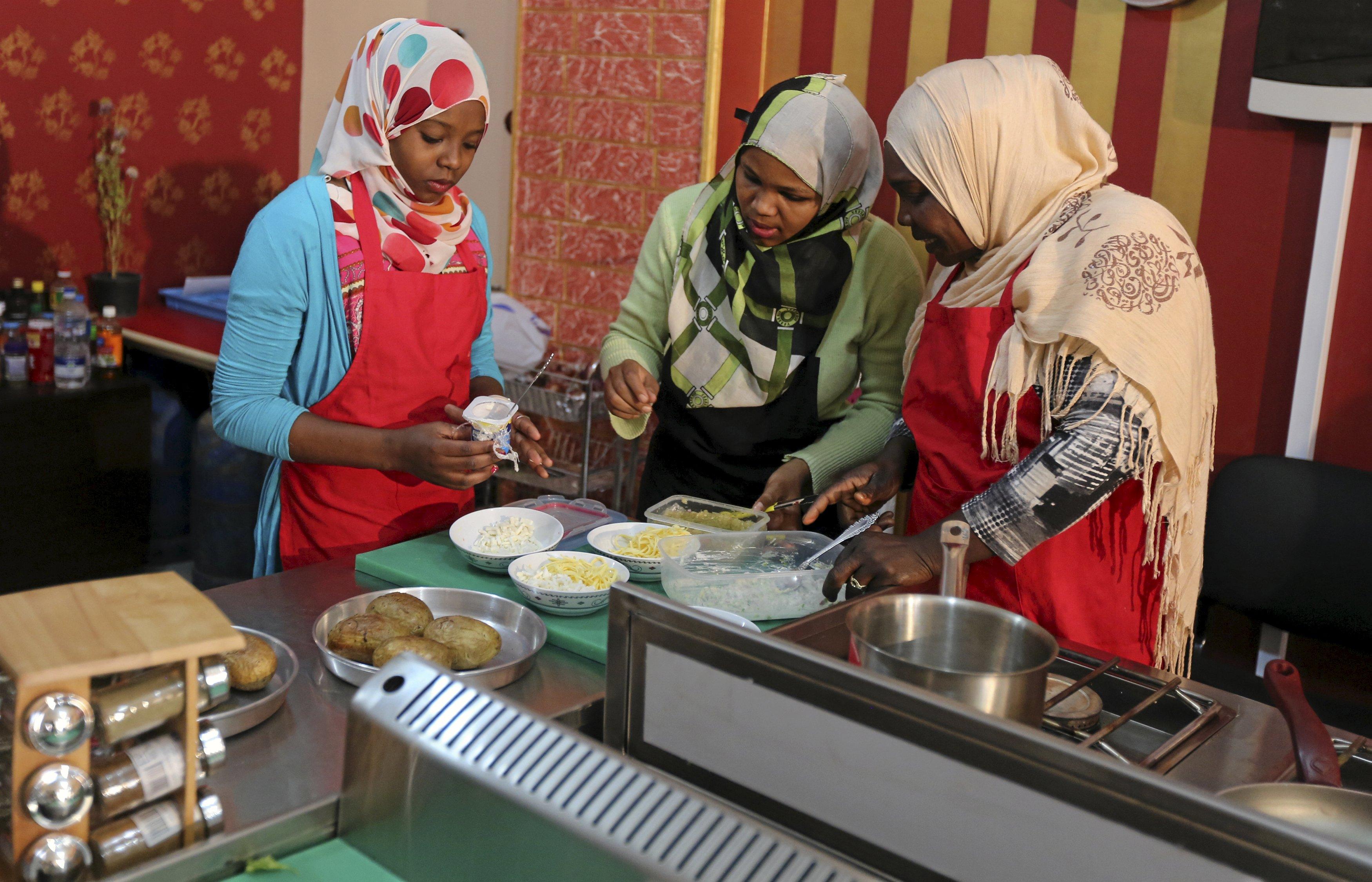 Homemade arab muslim egypt turkey pakistan cauc hijab - 2 2